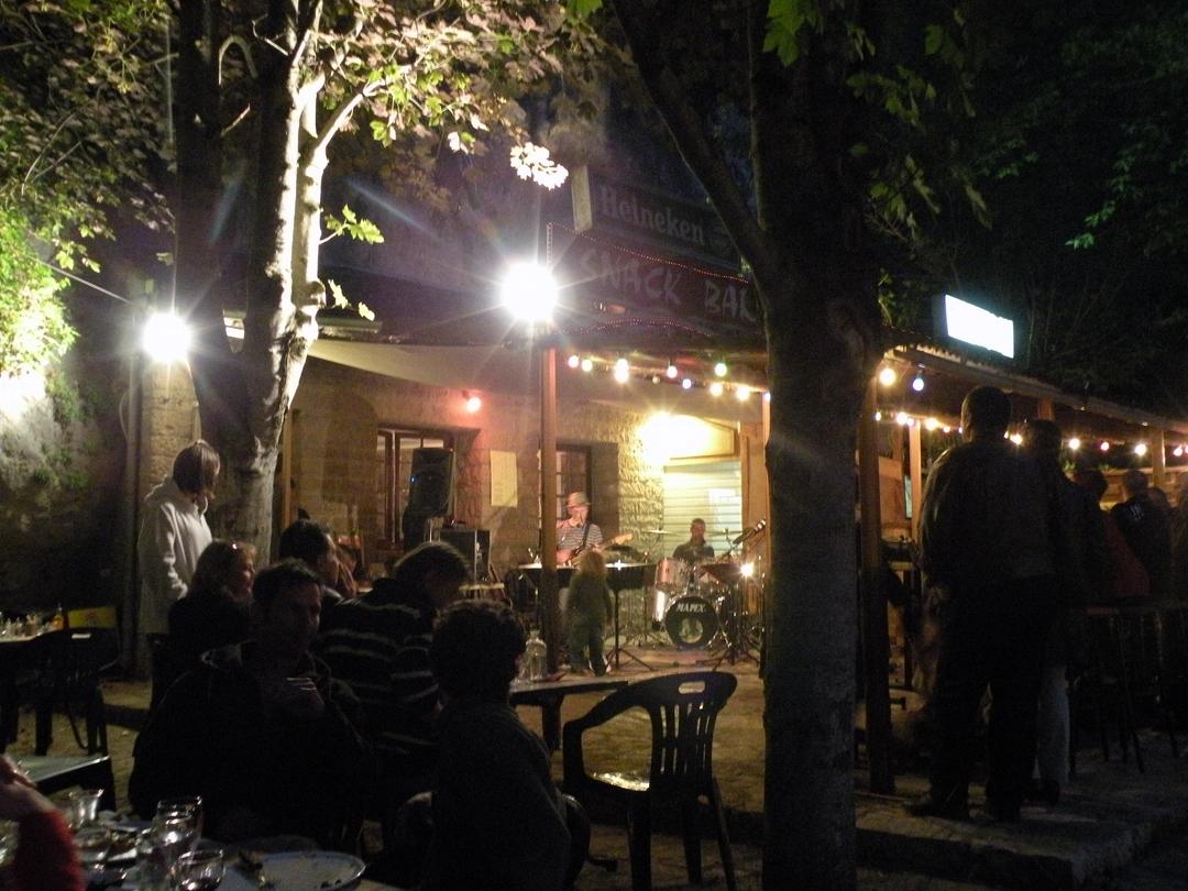 Restaurant Aix Ouvert Jeudi  Mai